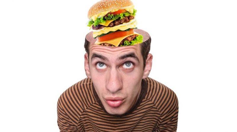 Pesquisa mostra que comer fast food regularmente consome o cérebro