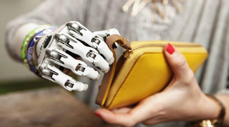 Mão protética controlada pelo cérebro para se tornar realidade
