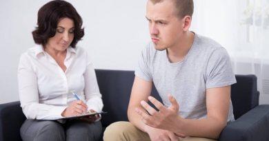 Psicoterapia deve ser o primeiro tratamento para depressão em jovens