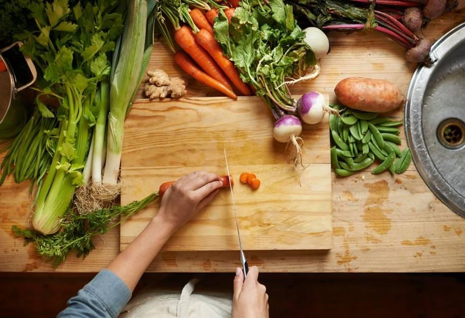 Dieta rica em vegetais reduz a fadiga em pacientes com esclerose múltipla