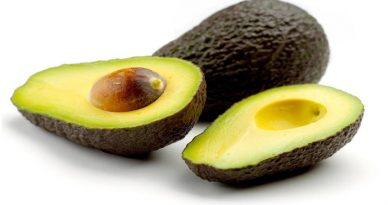Consumir um abacate por dia ajuda a diminuir o colesterol ruim