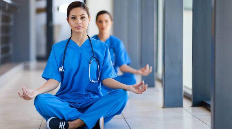 Estudo mostra que a meditação pode nos ajudar a cometer menos erros