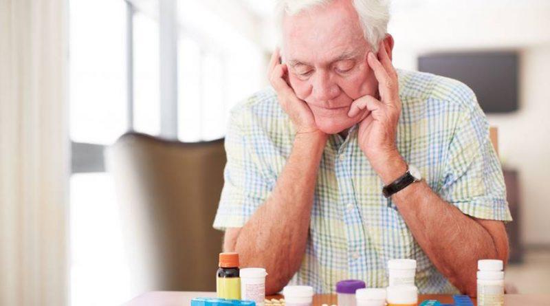 Uma nova pesquisa revela o risco do uso de antibióticos por idosos