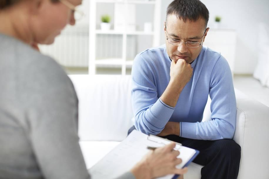 Estudo descobre novos fatores ligados ao suicídio em homens