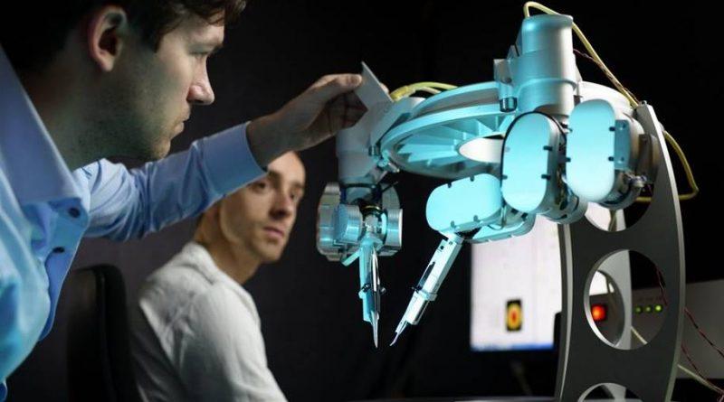 Microcirurgia assistida por robô aprovado em seu primeiro teste clínico humano