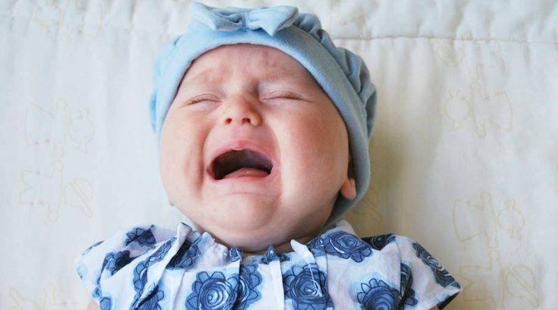 Estudo deixar o bebê chorar não tem efeitos no desenvolvimento infantil