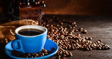 Tomar café pode reduzir o risco de doença hepática crônica